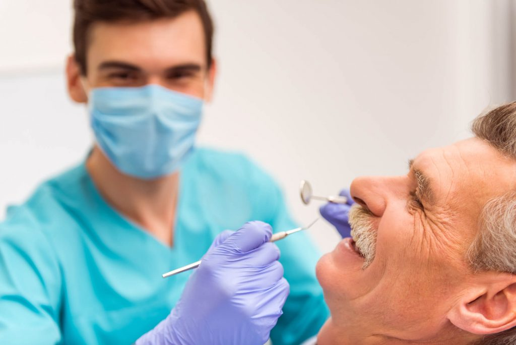 where can i find a cosmetic dentist in greenville sc?